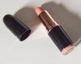 lip pink